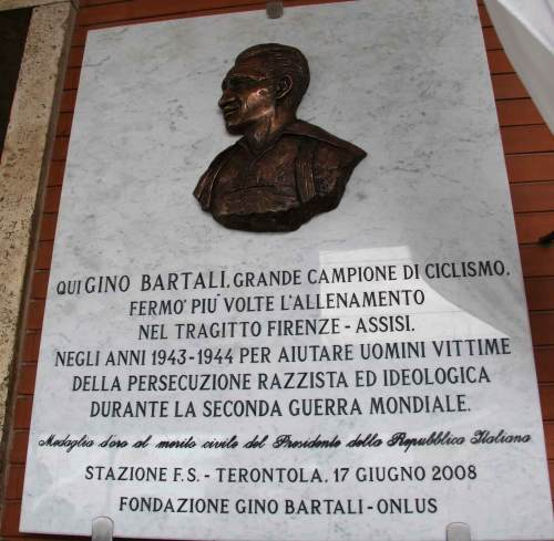 Bartali'smemorial_plaque_in_his_hometown
