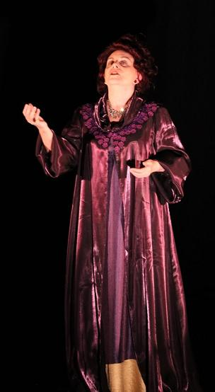 "Sharon Ullrick as Sarah Bernhardt in ""Acting"" by Eduardo Machado"