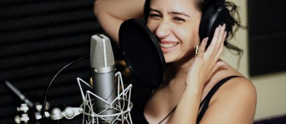 Celina Cruz: the talented Nicaraguan singer aims to empower Latinas worldwide!!